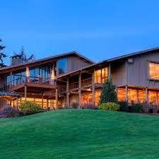 Salishan Resort and Spa front entrance